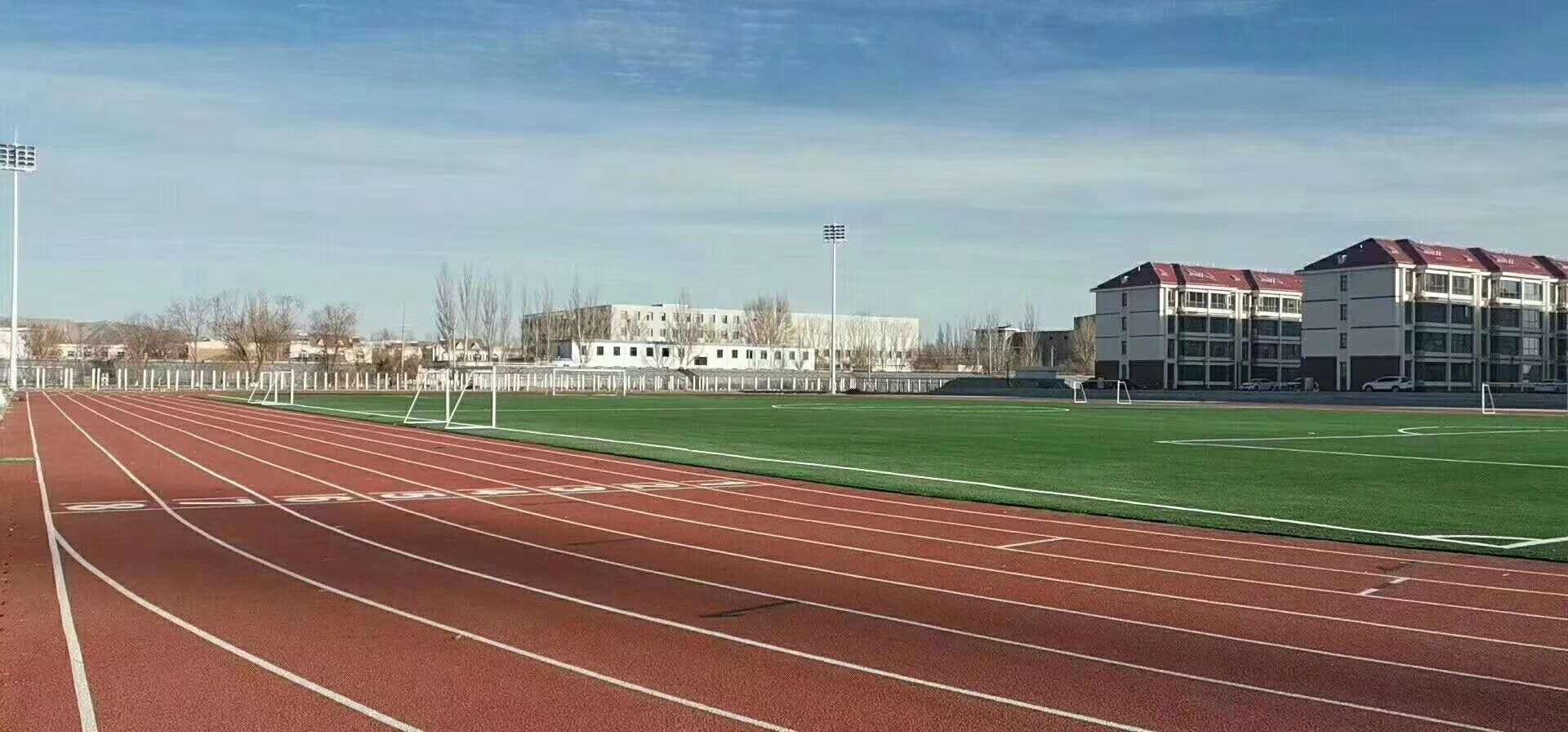 宁德万平新国标跑道球场提前8天完工通过中国田协验收、